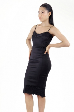 Stylish Bodycon Midi Dress With lace Detail