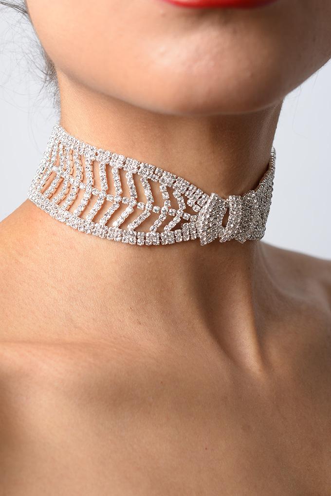 Stylish Bow Tie Diamond Choker  8f288f60fe30