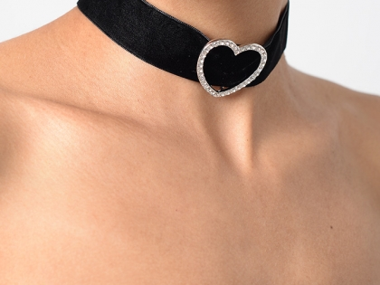 Stylish Diamond Heart Velvet Choker
