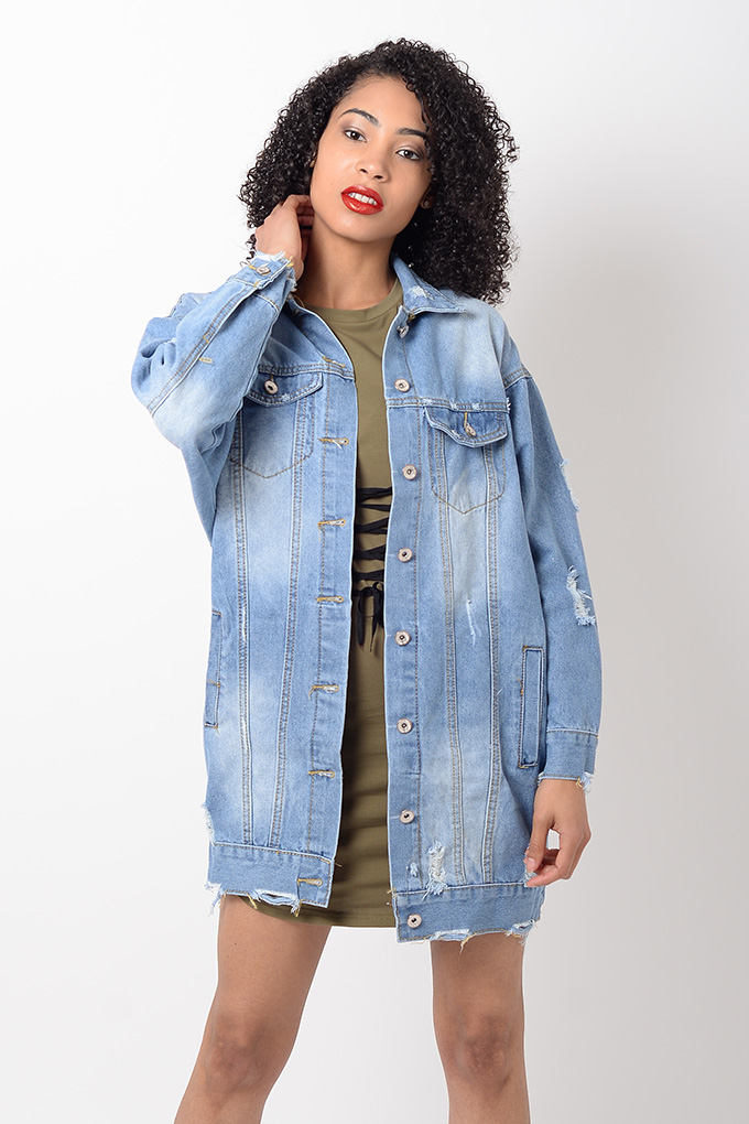 Free shipping and returns on Topshop Oversize Denim Jacket at metools.ml A roomy cut makes layering a cinch and your attitude on point in this casual denim jacket/5.