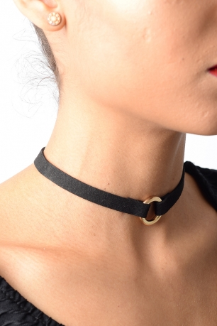 Stylish Ring Detail Suede Choker